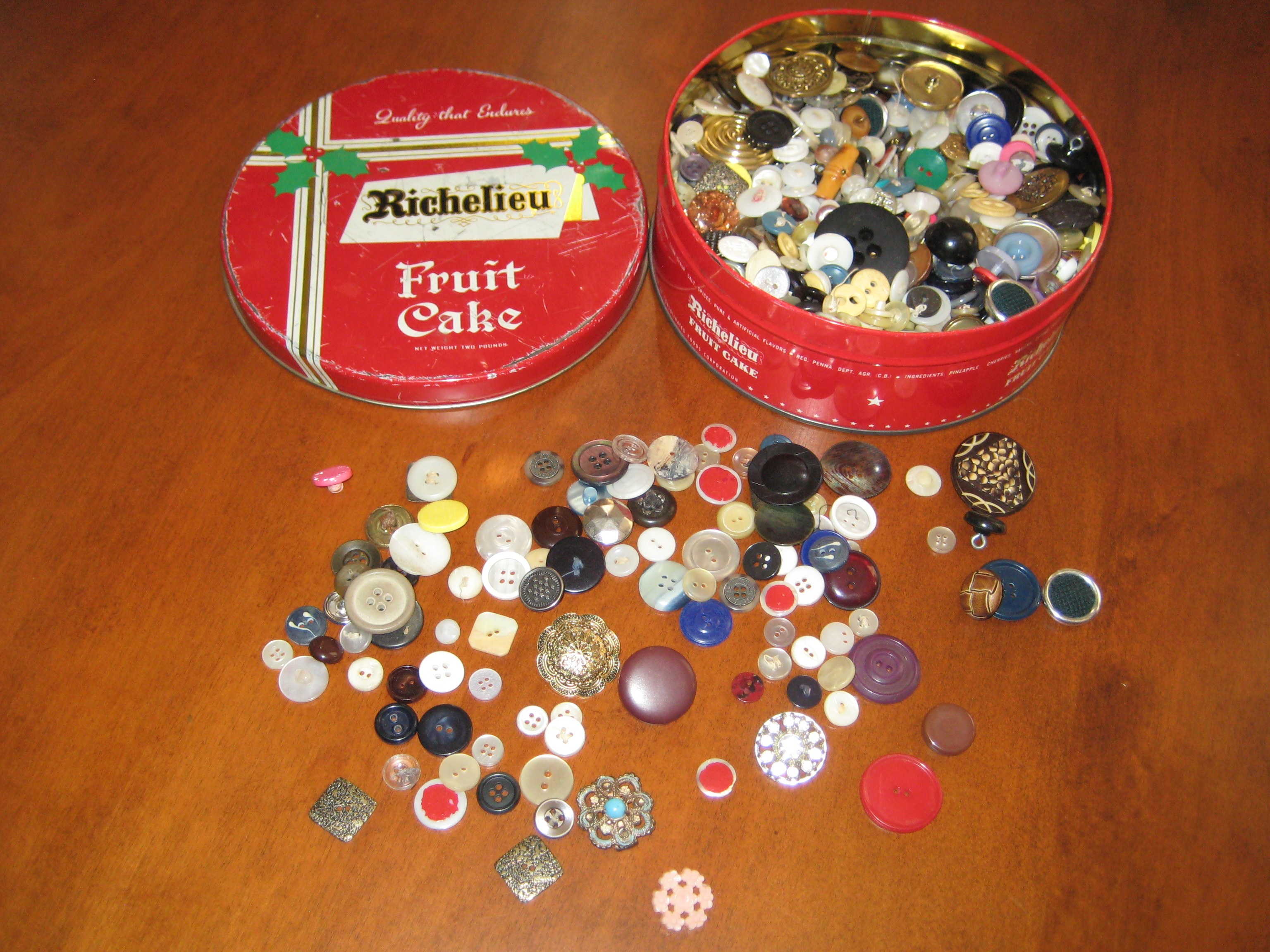 Button Box 006